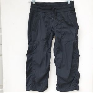 LULULEMON black Studio crop Pants 4 stripes